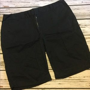 Ann Taylor Signature Black walking Shorts Size 14